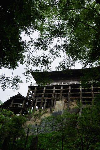 岩山を抱く堂 1 22f997a0.jpg